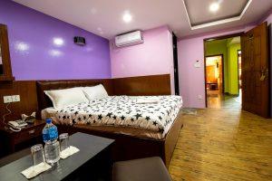 Double-Everest-Holiday-Inn1